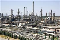 عرضه محصولات نفتی یک پالایشگاه در بورس انرژی