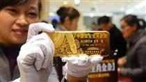 قیمت جهانی طلا چطور به سقف ۶ ساله رسید؟