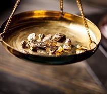 کلاه فروشندگان بر سر خریداران طلا