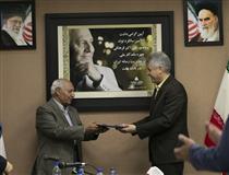 تجلیل روابط عمومی بانک ملت از پدر مدیریت رسانه ایران