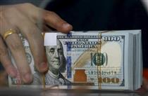 گیر کردن دلار در جنگ ارزی چین و آمریکا