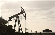 نفت همچنان بالای مرز ۶۳ دلار