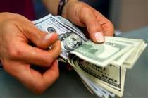 چرا خریداران به بازار ارز هجوم بردند؟