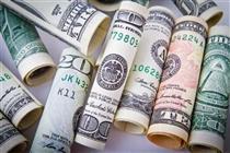 افزایش اختلاف قیمت دلار رسمی و آزاد به ۷۶۰ تومان